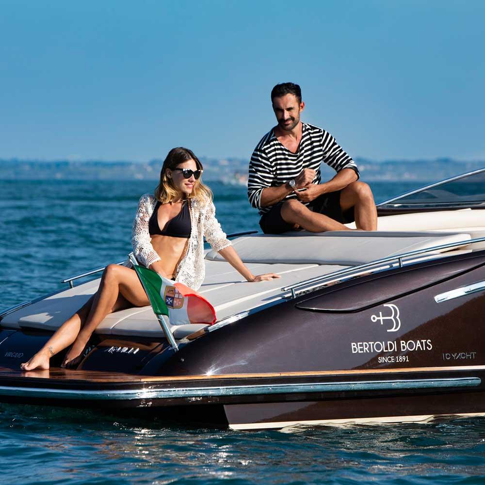 tour in barca sirmione lago di garda